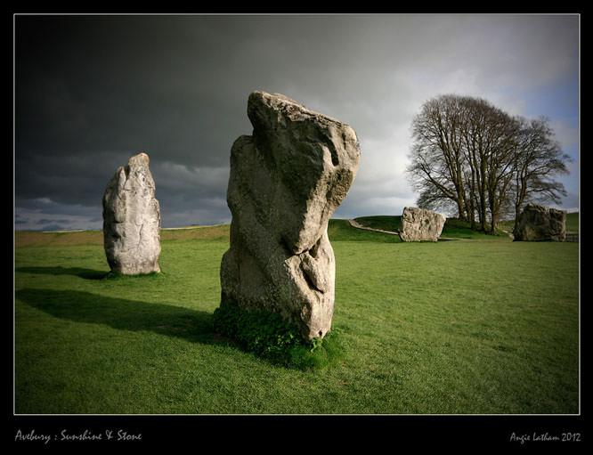 Avebury: sunshine & stone