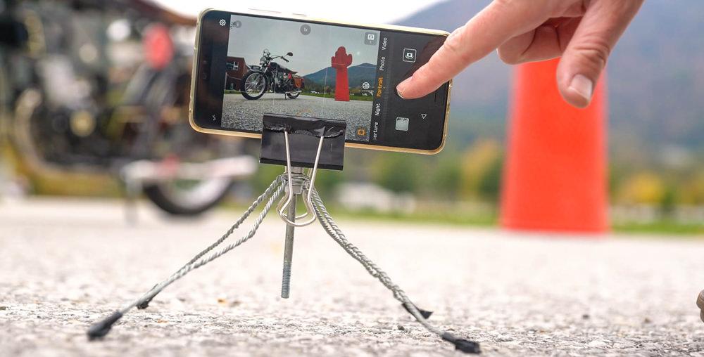 DIY Tripod for a smartphone