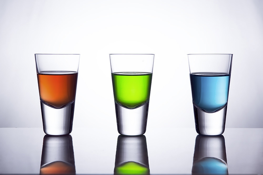 Glasses with liquid in