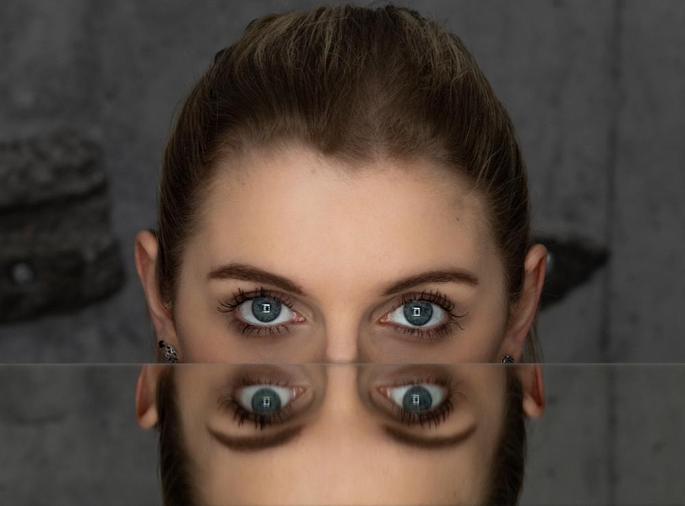 Symmetry in portraits