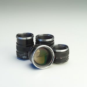 Autofocus Zeiss T* lenses to be released for Sony Alpha
