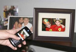 MediaStreet eMotion digital picture frame