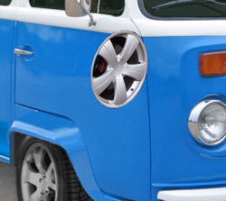 VW Camper changing the wheel rims