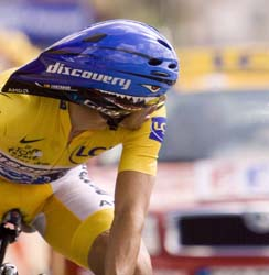 Contador looks round to see if he has kept the jersey.