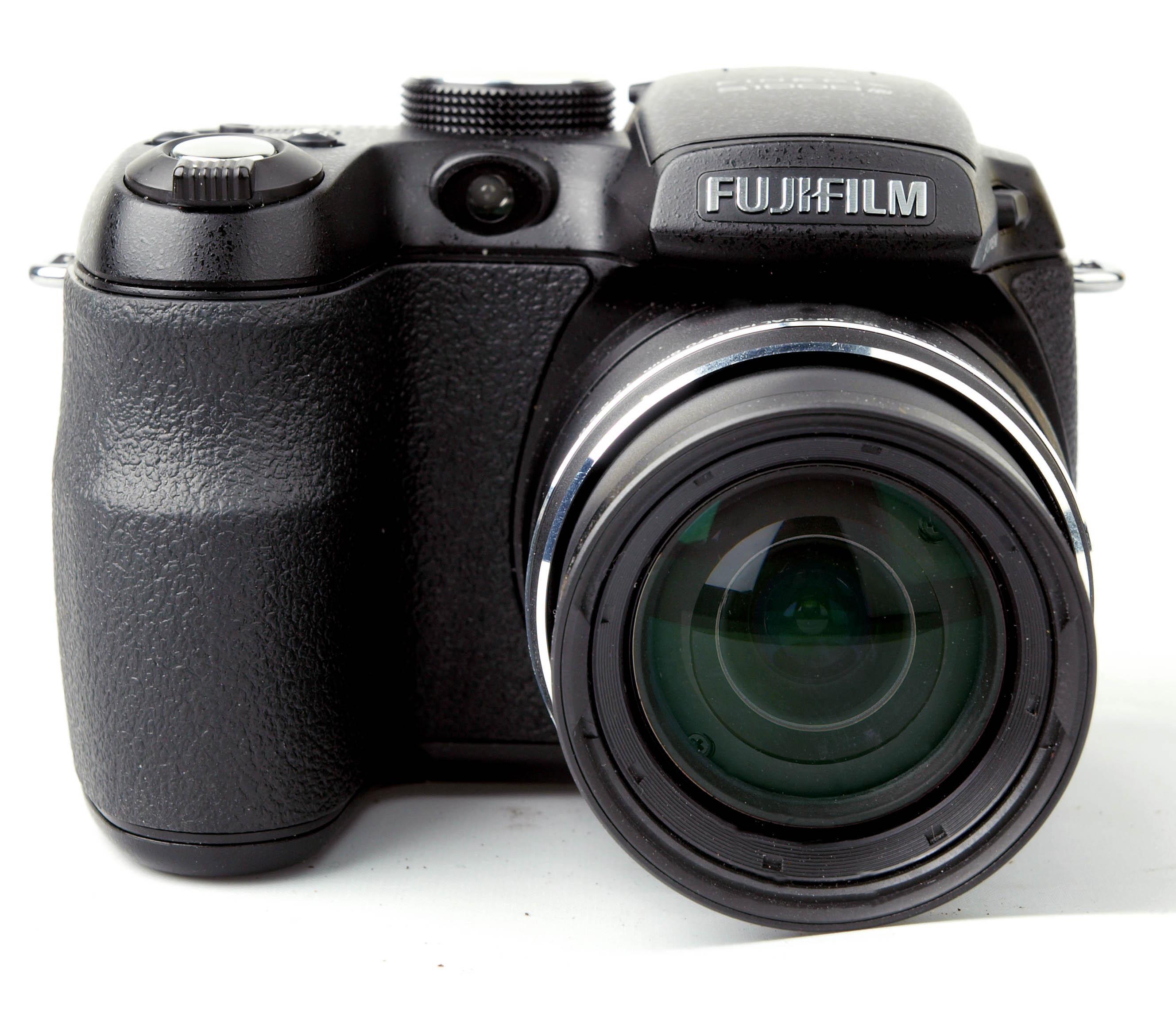 Fuji Digital Cameras: Fujifilm FinePix S1000fd Digital Camera Review