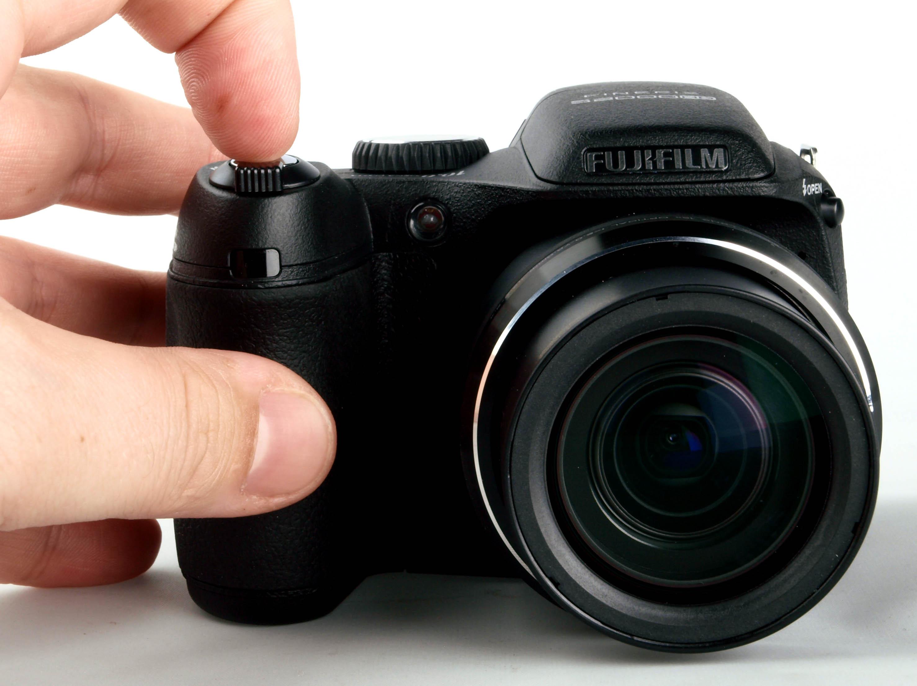 fujifilm finepix s2000hd digital camera review rh ephotozine com Fuji FinePix SLR Camera Fuji FinePix 16MP Digital Camera