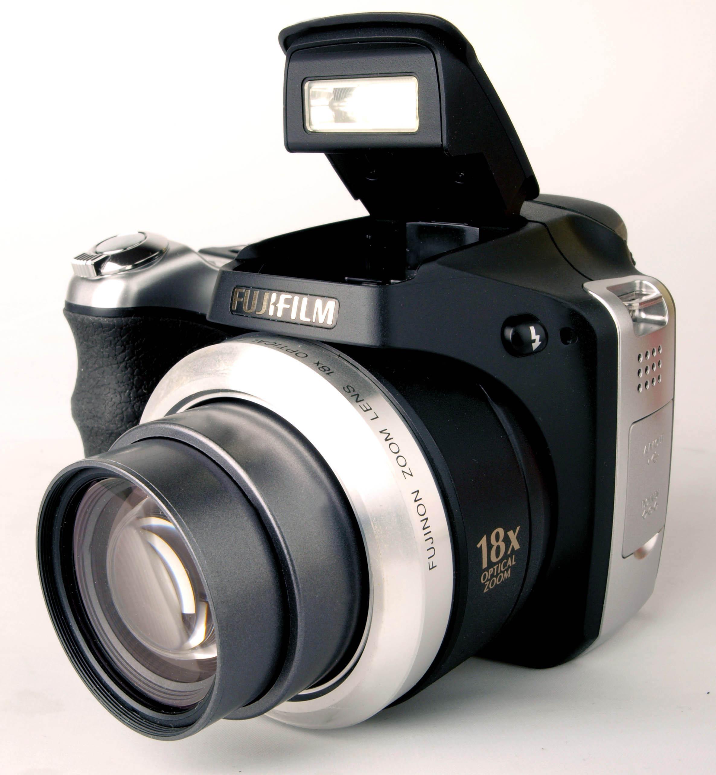 fujifilm finepix s8100fd digital camera review rh ephotozine com Fuji FinePix HS25EXR Fuji FinePix HS25EXR