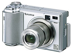Fujifilm annmounce FinePix E550 Zoom - a combination of form and function