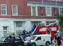 Image of London Bus bombing wins Nokia Citizen Journalism award