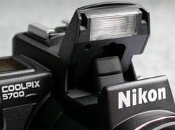 Nikon Coolpix 5700 Flash