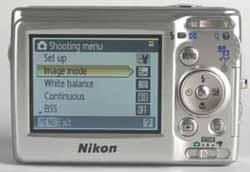 Nikon coolpix L11 back view