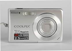 Nikon S200 Front