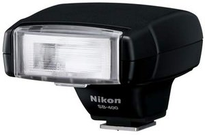 Nikon Speedlight SB-400 introduced