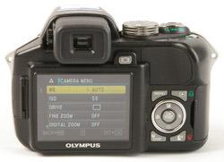 Olympus SP-560 UZ LCD