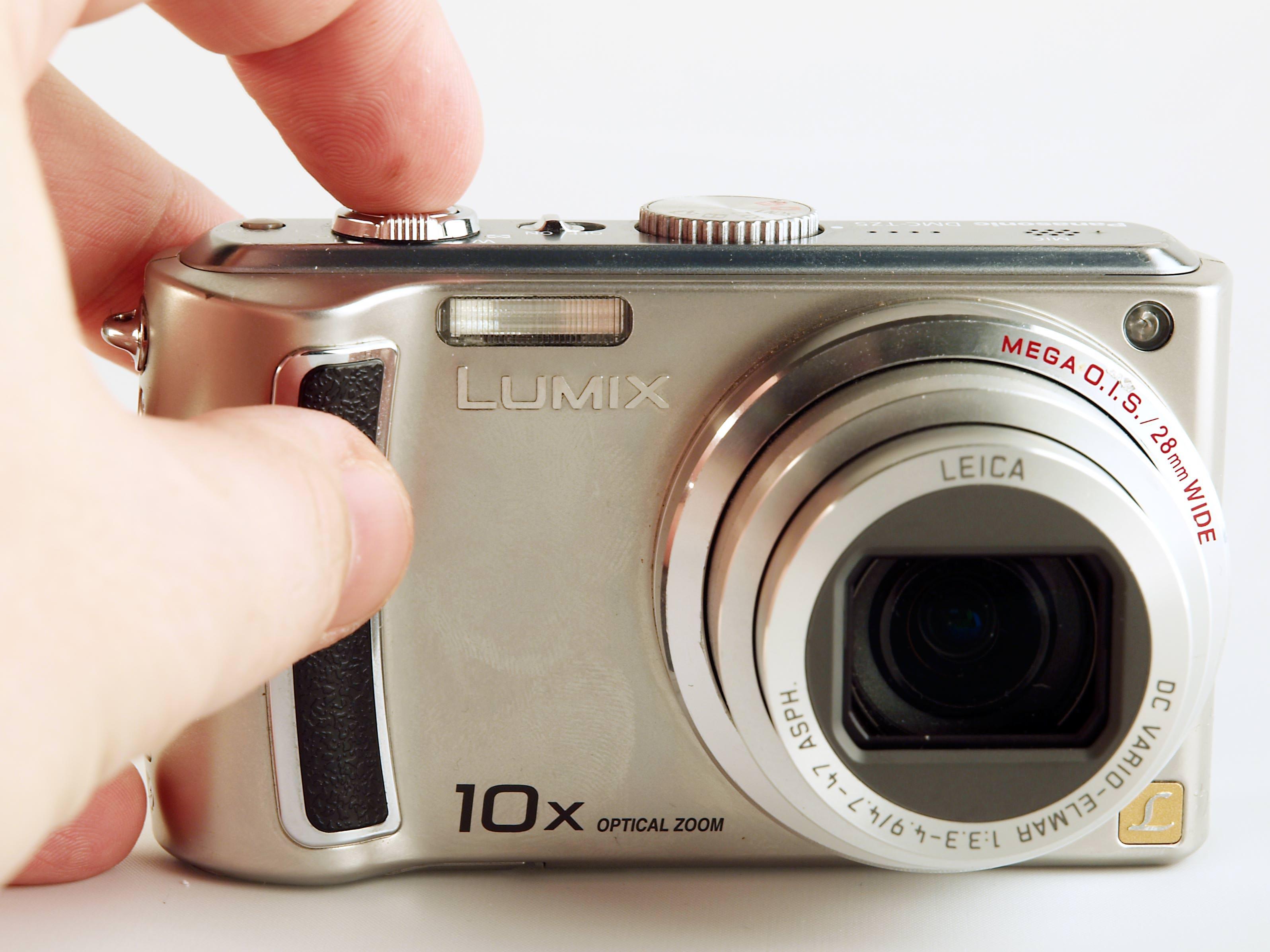 panasonic lumix dmc tz5 digital camera review rh ephotozine com panasonic lumix dmc-tz5 manual download panasonic lumix dmc-tz5 manual