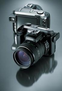 Samsung Pro815 - 15x optical zoom 8 megapixel camera