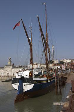 Tamron 18-250mm boat