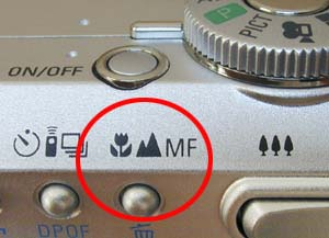 Using your digital camera's macro mode