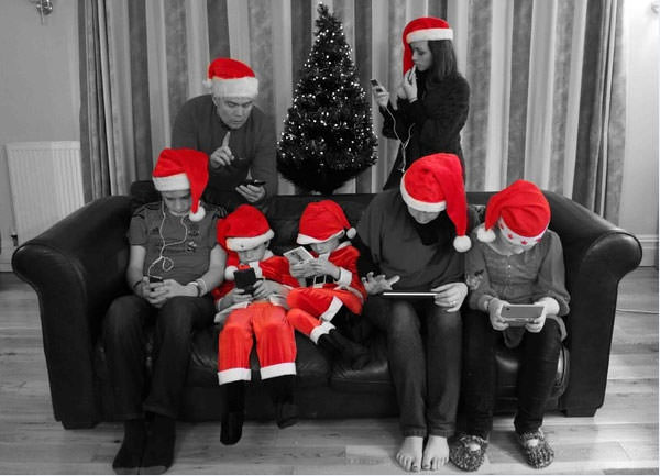 A guide to family portraits at christmas