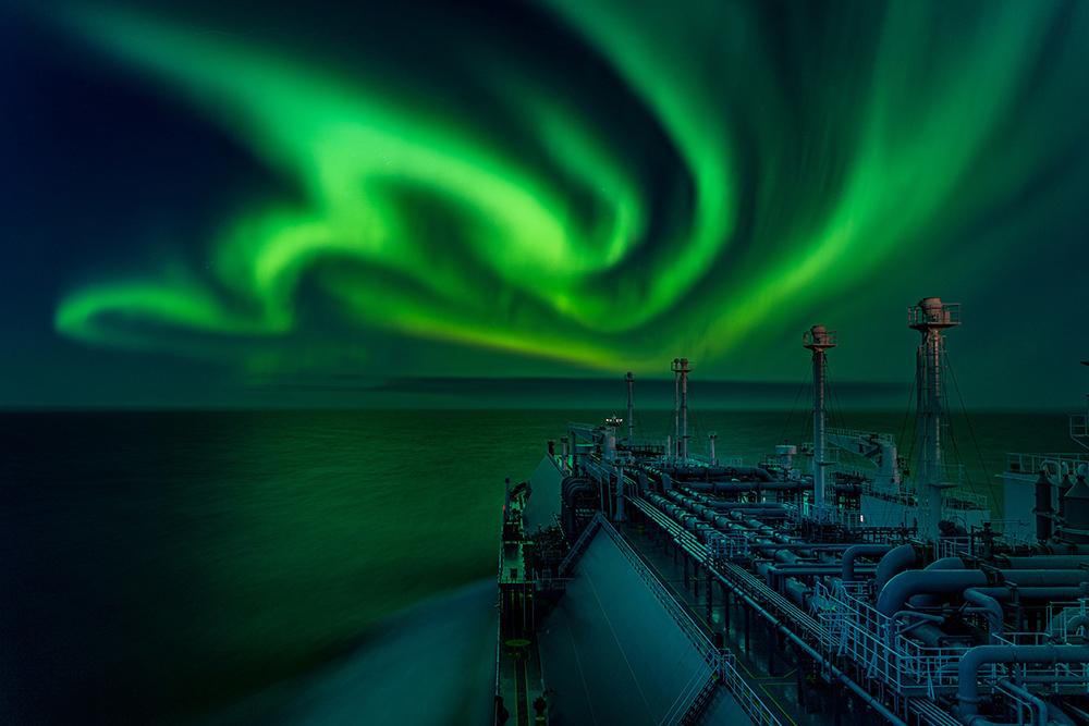 Dance of the polar aurora © Dmitrii Rybalka