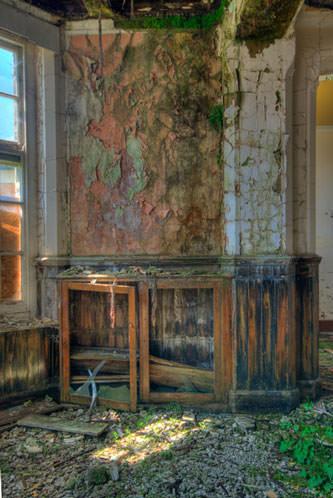 abandoned cupborad