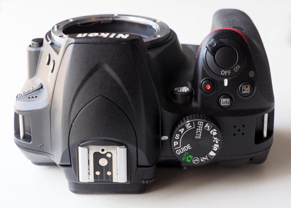 Nikon D3400 DSLR (7)