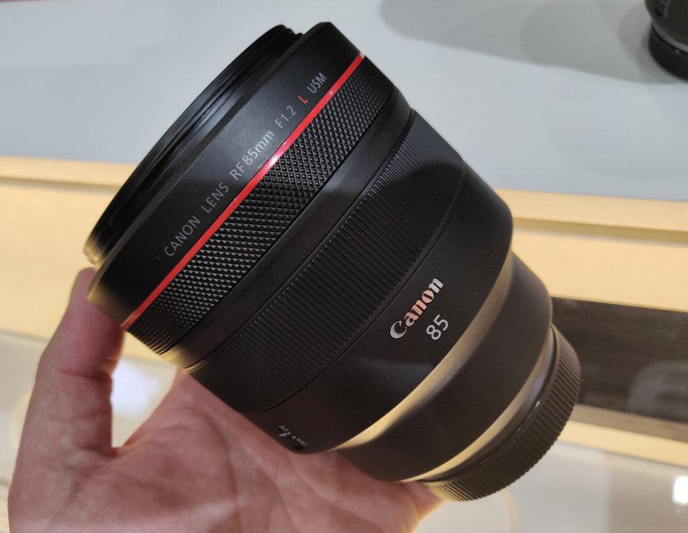 Canon RF 85mm Mock Up (1)