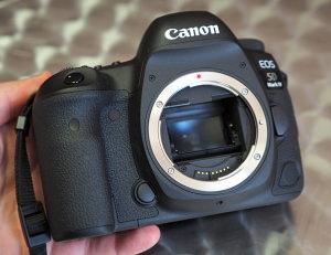 Canon Debuts EOS 5D Mark IV