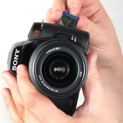 Sony Alpha A230 inserting the card