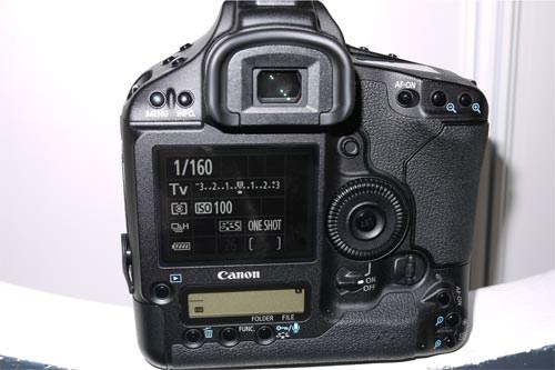 Canon EOS 1D MkIV back
