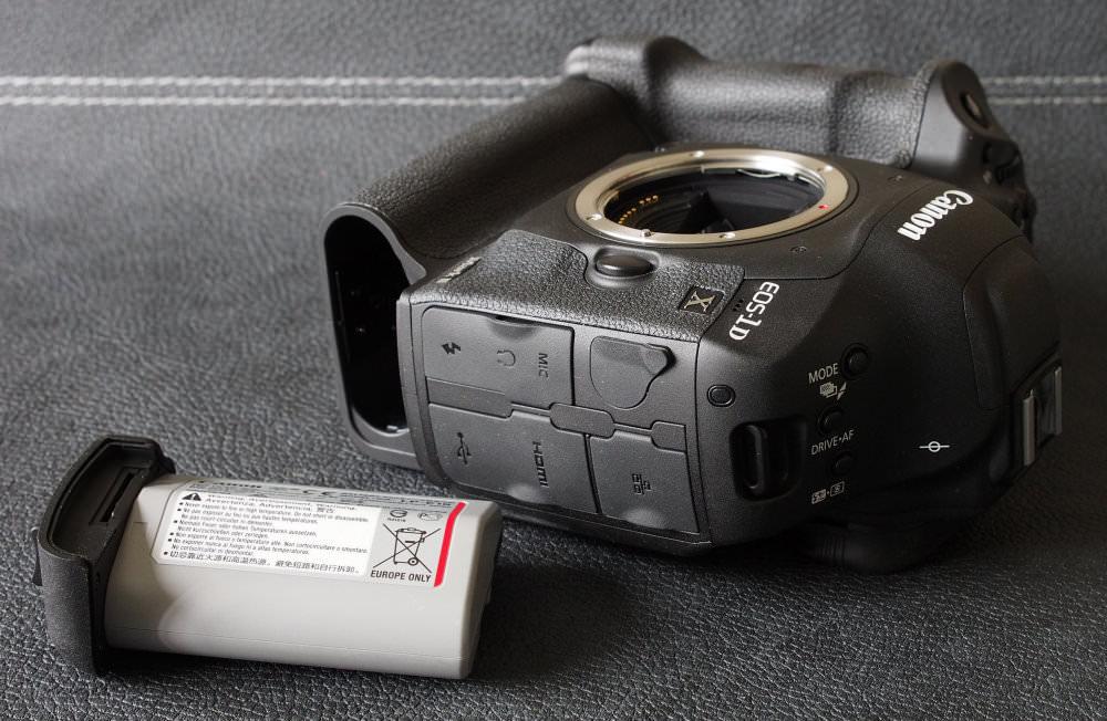 Canon EOS 1D X MarkII DSLR (8)