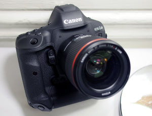 Canon EOS 1D X Mark II Hands-On Preview