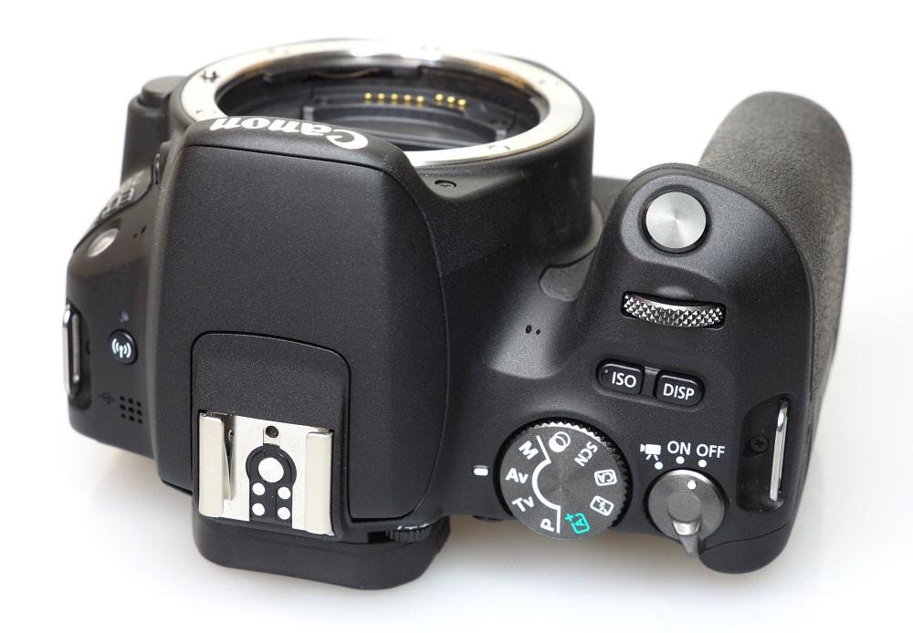 Canon EOS 200D Black (10)
