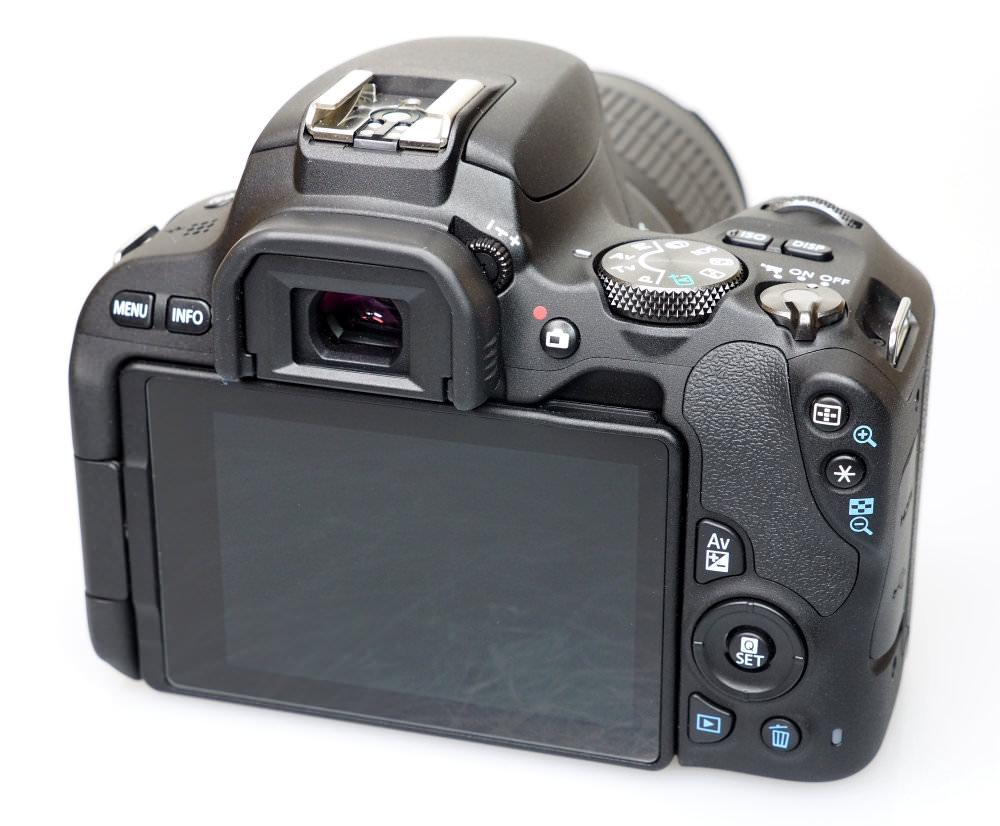 Canon EOS 200D Black (9)