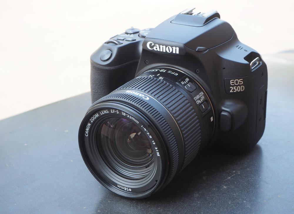 Canon EOS 250D Black (1)