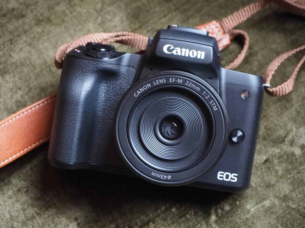 Canon EOS M50 Black (2)