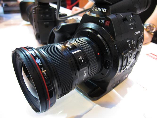 Canon-c300 (2)