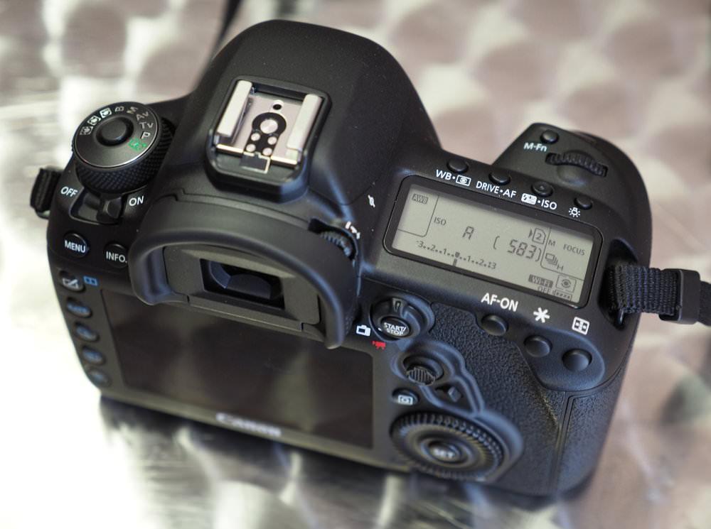 Canon EOS 5D Mark IV (7)