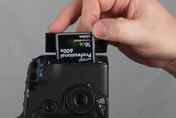 Canon EOS 5D MkII inserting the card