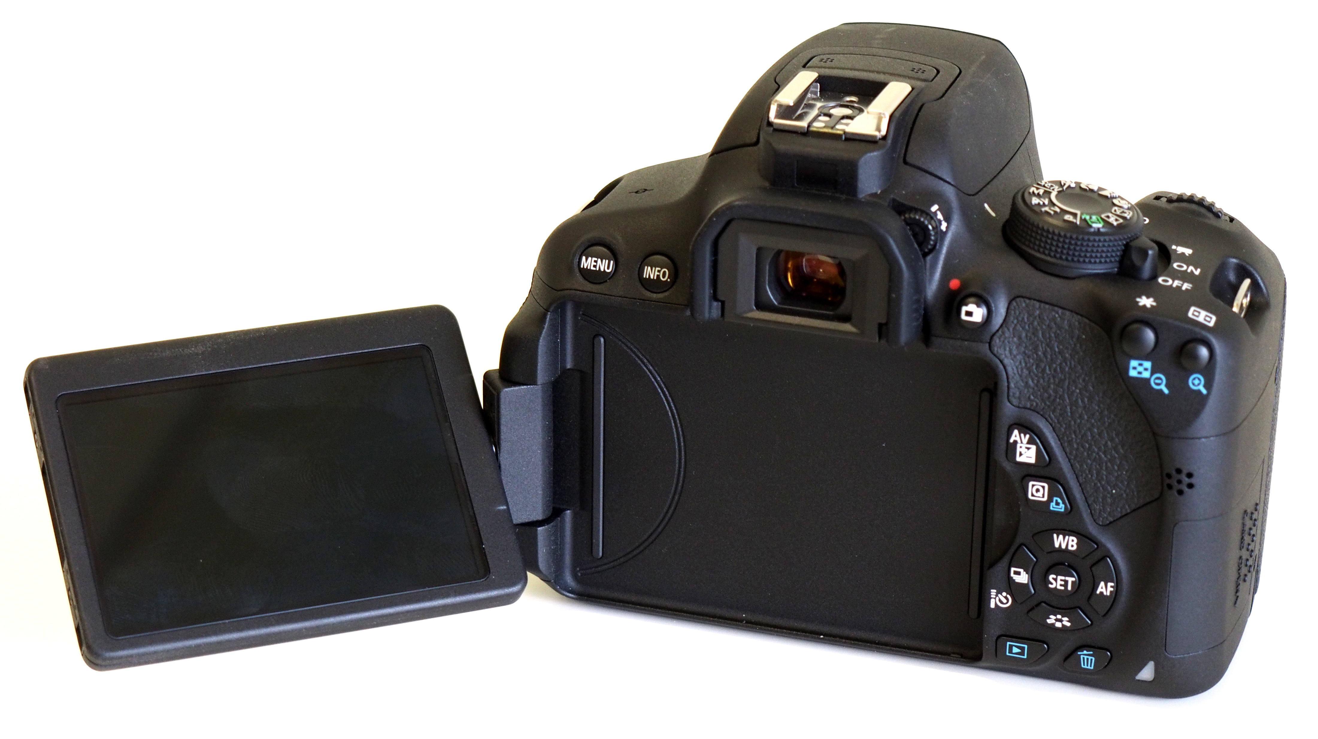 Canon EOS 700D Hands-On Preview | ePHOTOzine