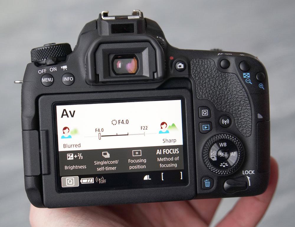 Canon EOS 77D DSLR (16)