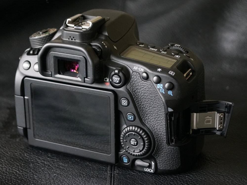 Canon EOS 80D (4)