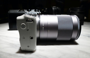 Canon EOS M10 CSC Camera Hands-On Preview