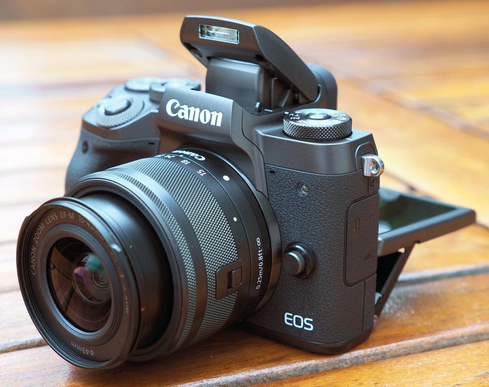 Highres Canon EOS M5 12 1a