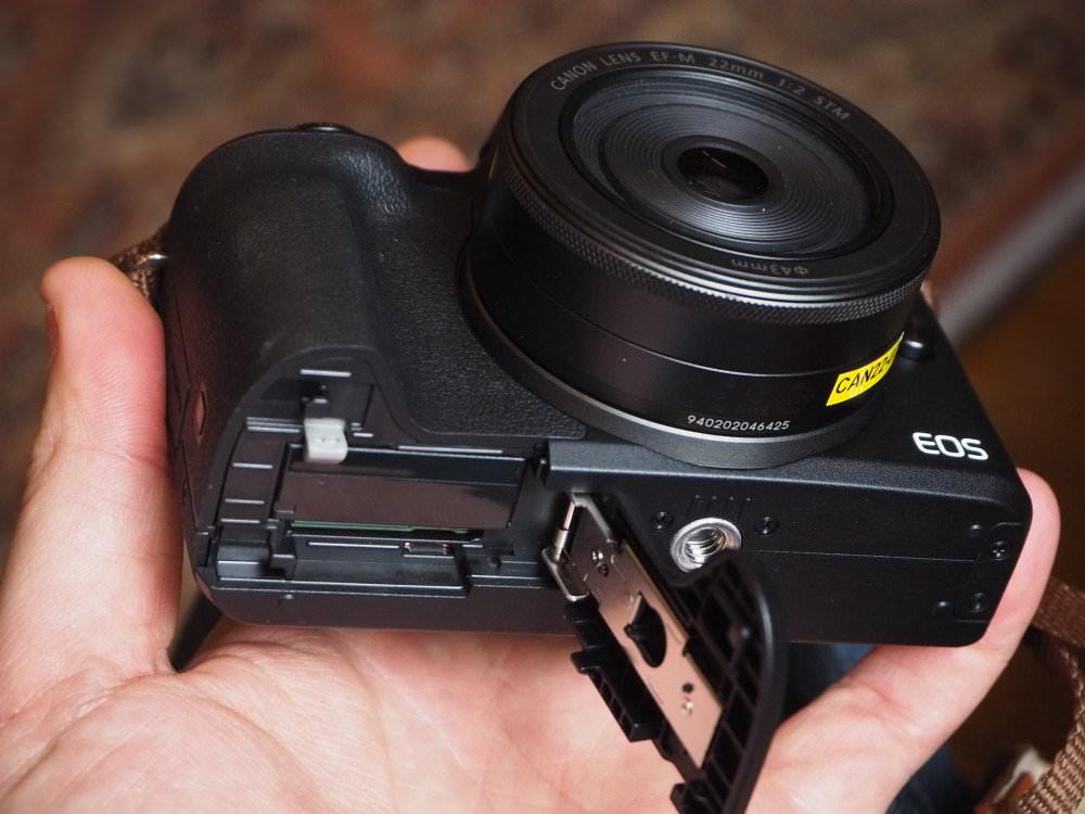 Canon EOS M50 Black (10)