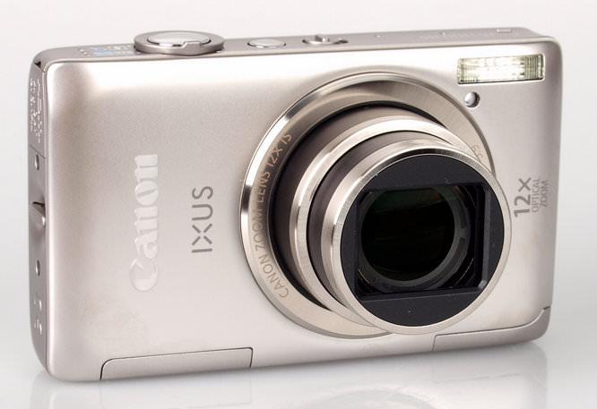 Canon IXUS 1100 HS Lens Extended