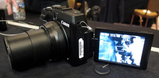 Canon Powershot G1 X Swivel Screen