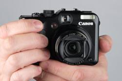 Canon Powershot G11 held