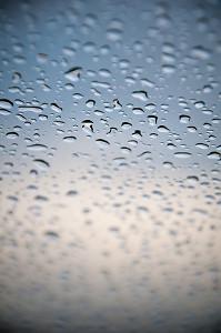 Capturing Creative Shots Of Raindrop Patterns