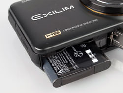 Casio Exilim EX-ZR10 battery compartments